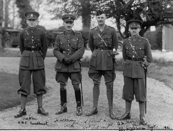 four_army_man_family_officers