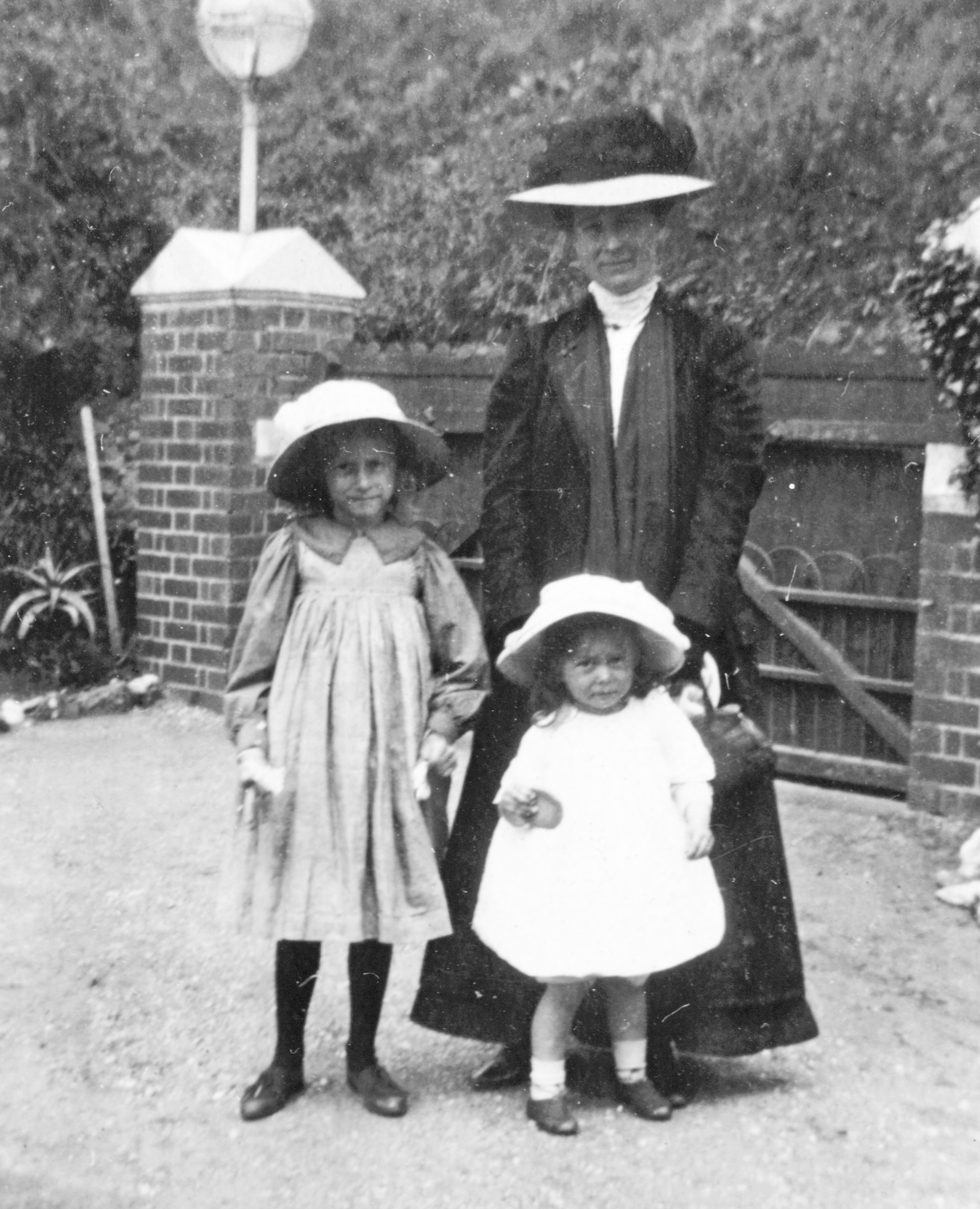 Josselyn with her two daughters Elaine and Stella