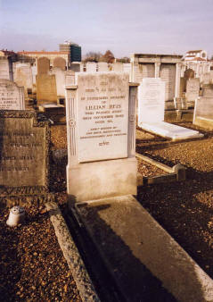 lillian reis grave three