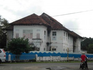 The Tinwinning building opposite the Muntok jail