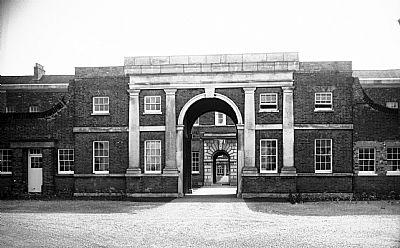 gt-yarmouth-former-naval-hospital-entrance